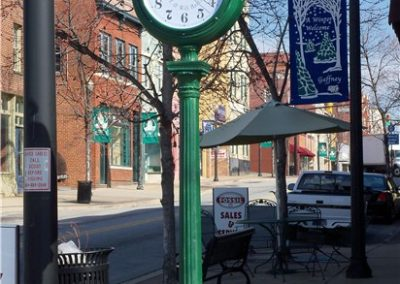 downtown-clock-and-bench