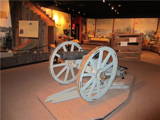 hisotry-museum-land-of-revolutions-exhibit