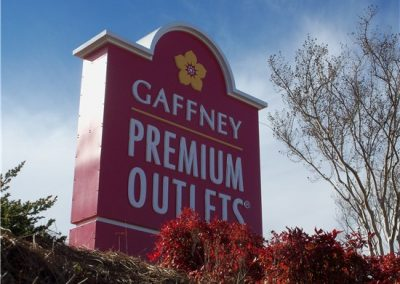 premium-outlets-sign