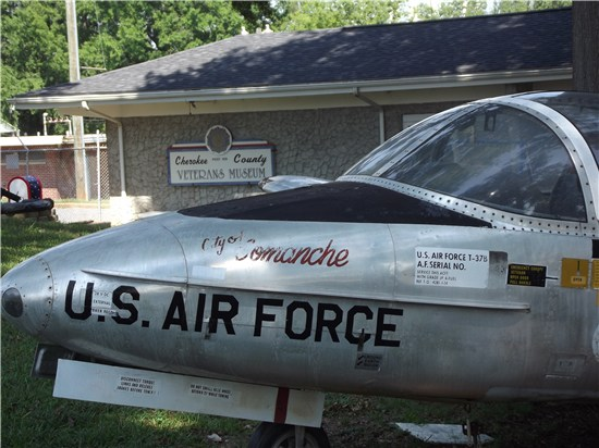 veterans-museum-with-comanche-jet